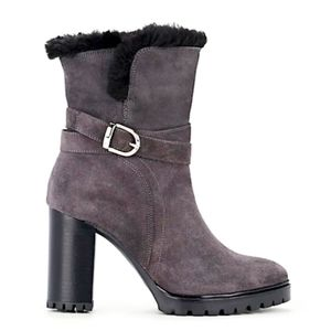 BARNEYS NEW YORK GRAY SUEDE BOOTS SZ 6